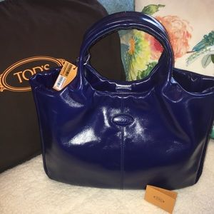 🌸Sale🌸🆕Beautiful Tod's leather AGJ media bag